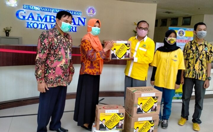Baksos DPD Partai Golkar, Berikan Bantuan Sembako ke Panti Asuhan Al Hidayah, dan Bantuan APD Pada RSUD Gambiran.